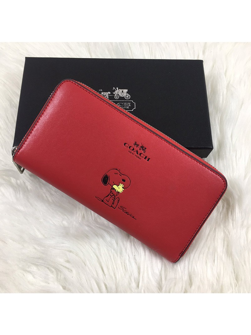 Coach X Peanuts Accordion Zip Wallet In Calf Leather Red